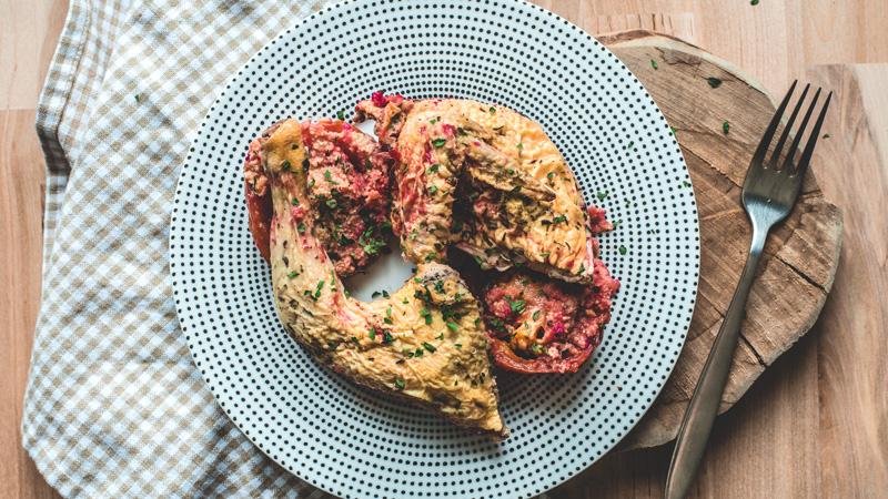 demi coquelet rôti jus au thym et ses tomates à la provençale