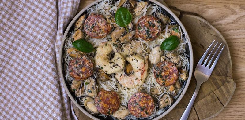 salade de moules crevettes chorizo et vermicelles de riz