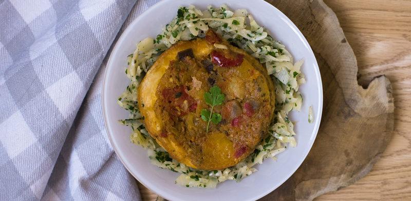photo tarte aux légumes confits accompagné de chou à la vapeur
