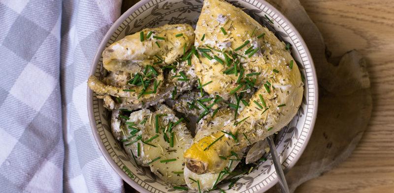 photo de coquelet rôti au thym et pommes de terre sautées aux échalotes