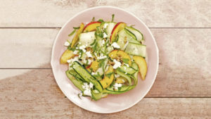 photo salade de courgettes et nectarines