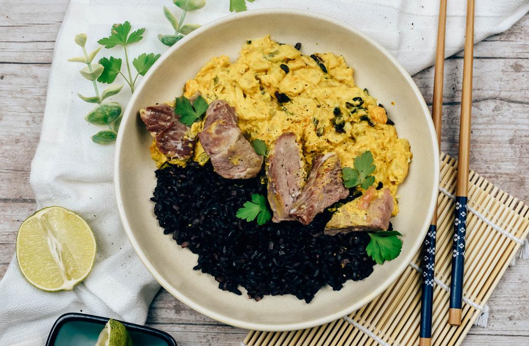 Porc thai et riz noir